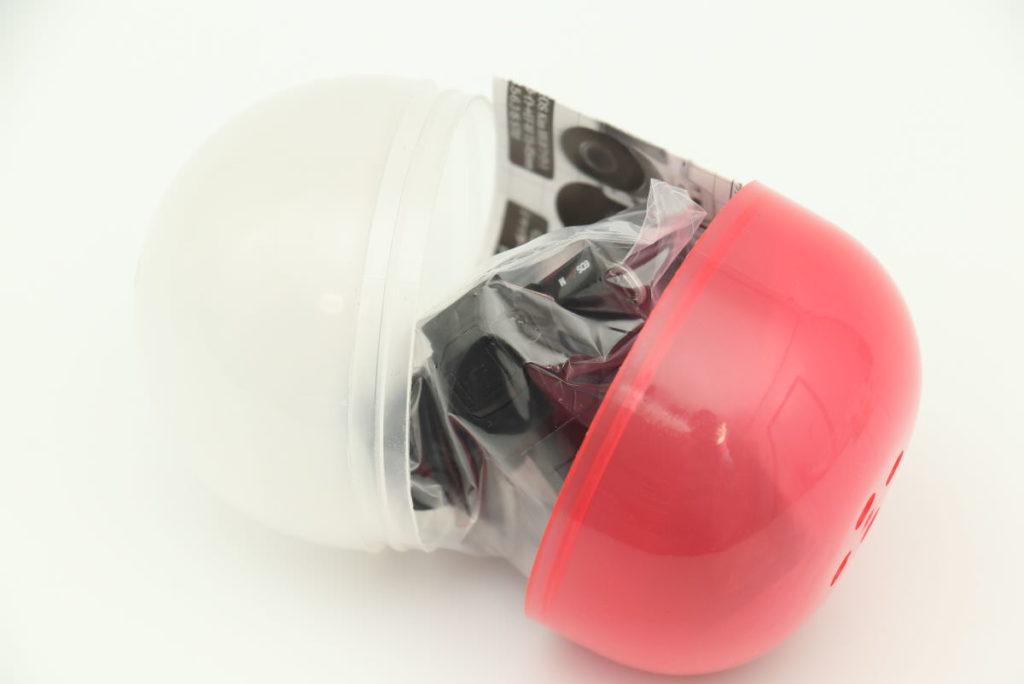 EOS Kiss Mのミニチュアガチャガチャ カプセルを開けた