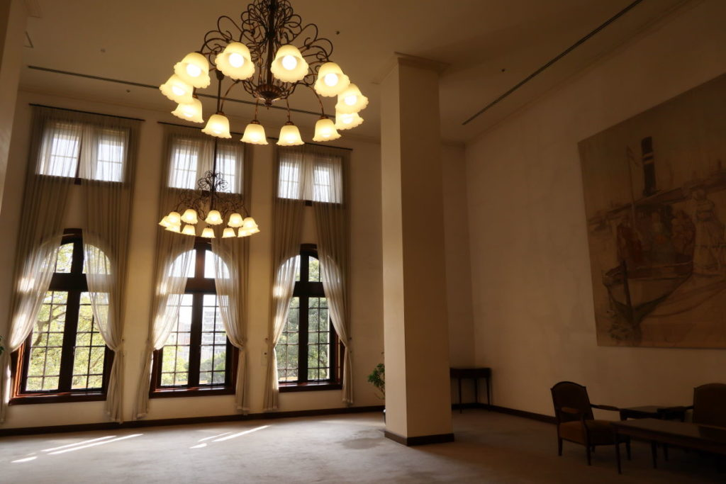 兵庫県公館のホール