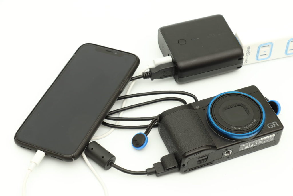 GR3をモバイルバッテリーAnker PowerCore Fusion 5000で充電