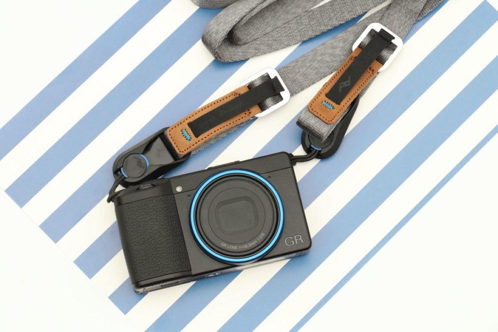 GR3とピークデザインのカメラストラップ リーシュ