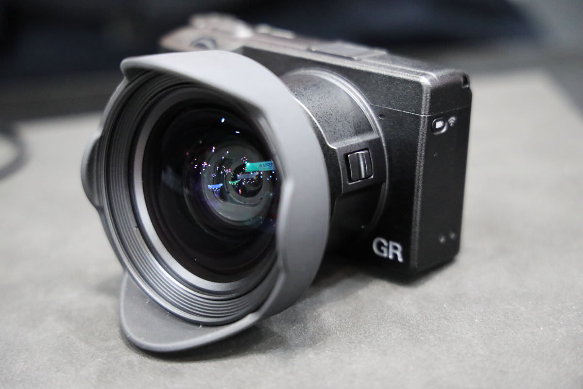GR3用ワイドコンバージョンレンズ [GW-4]