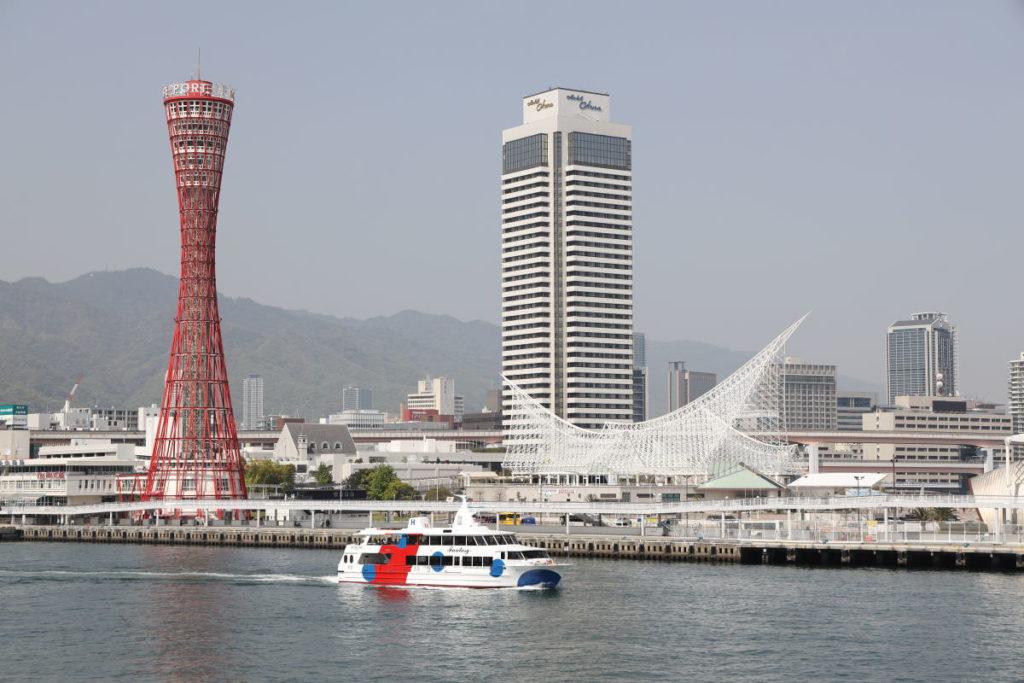 ハーバーランド モザイクから見た神戸港の景色