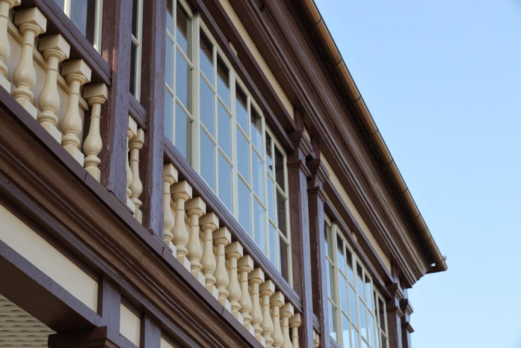 ラインの館の窓