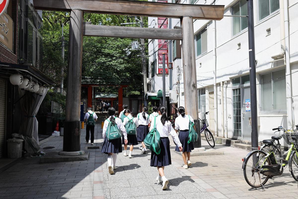 修学旅行生が生田神社へ