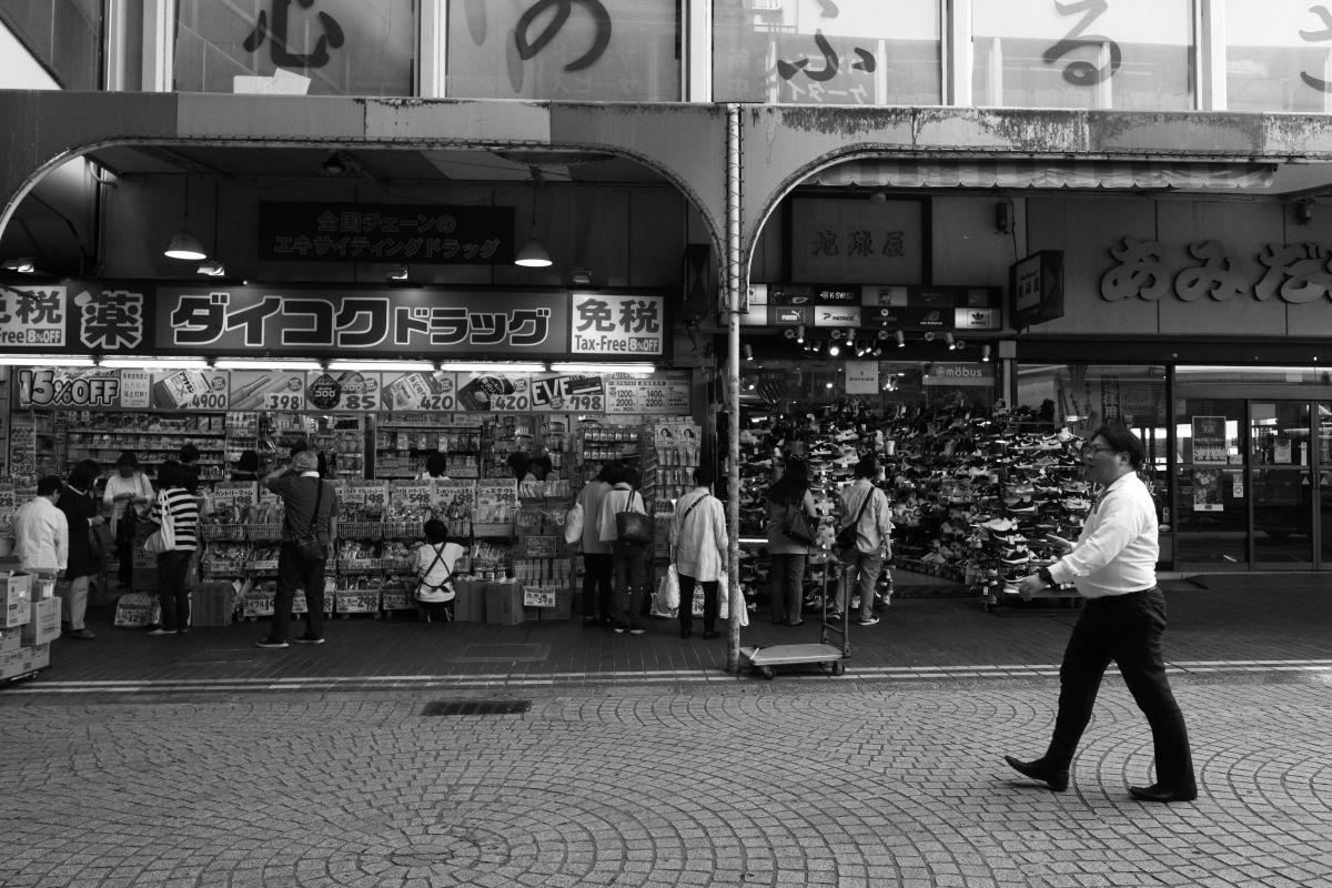 神戸のストリートスナップ モノクロ