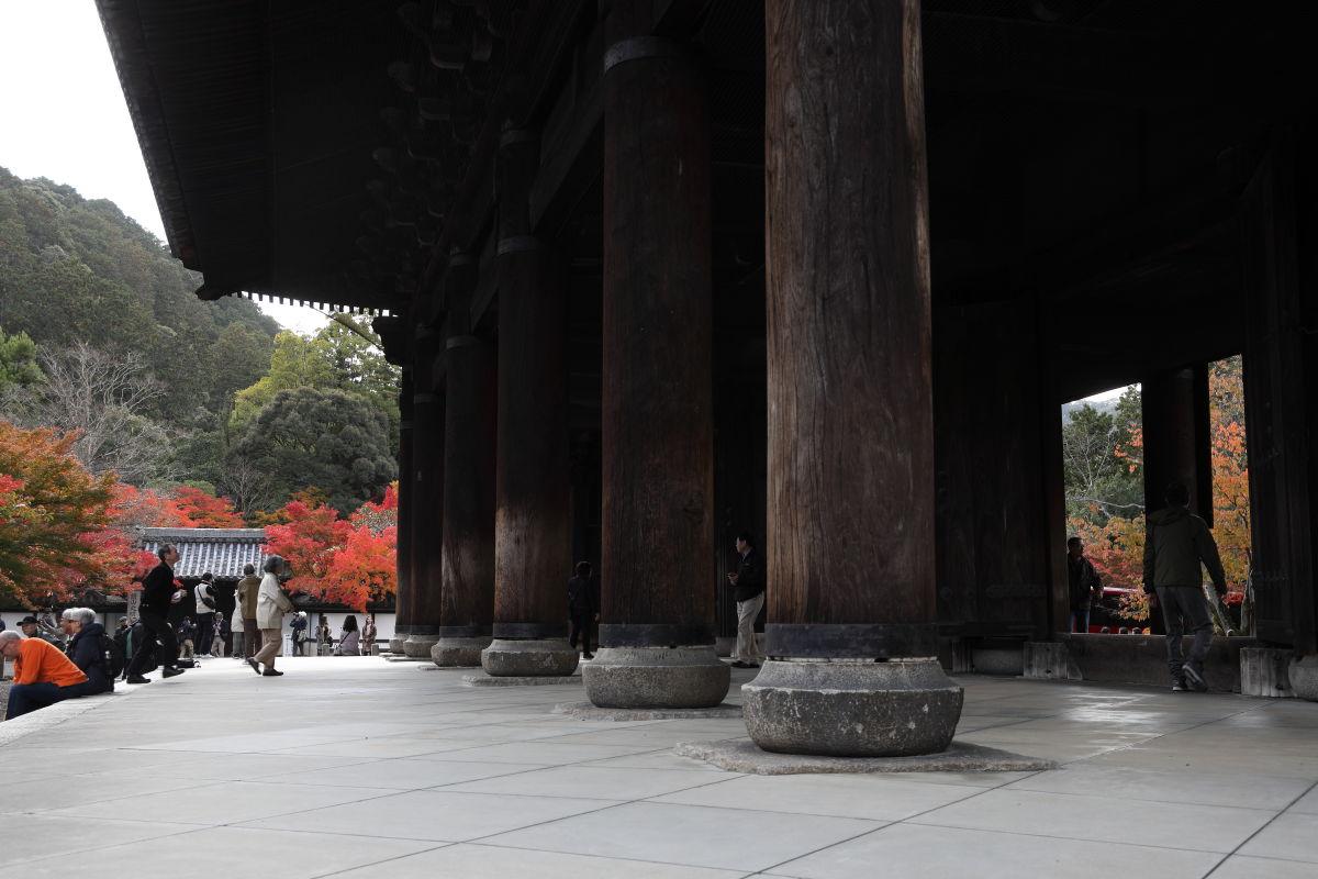 京都 南禅寺の三門 紅葉