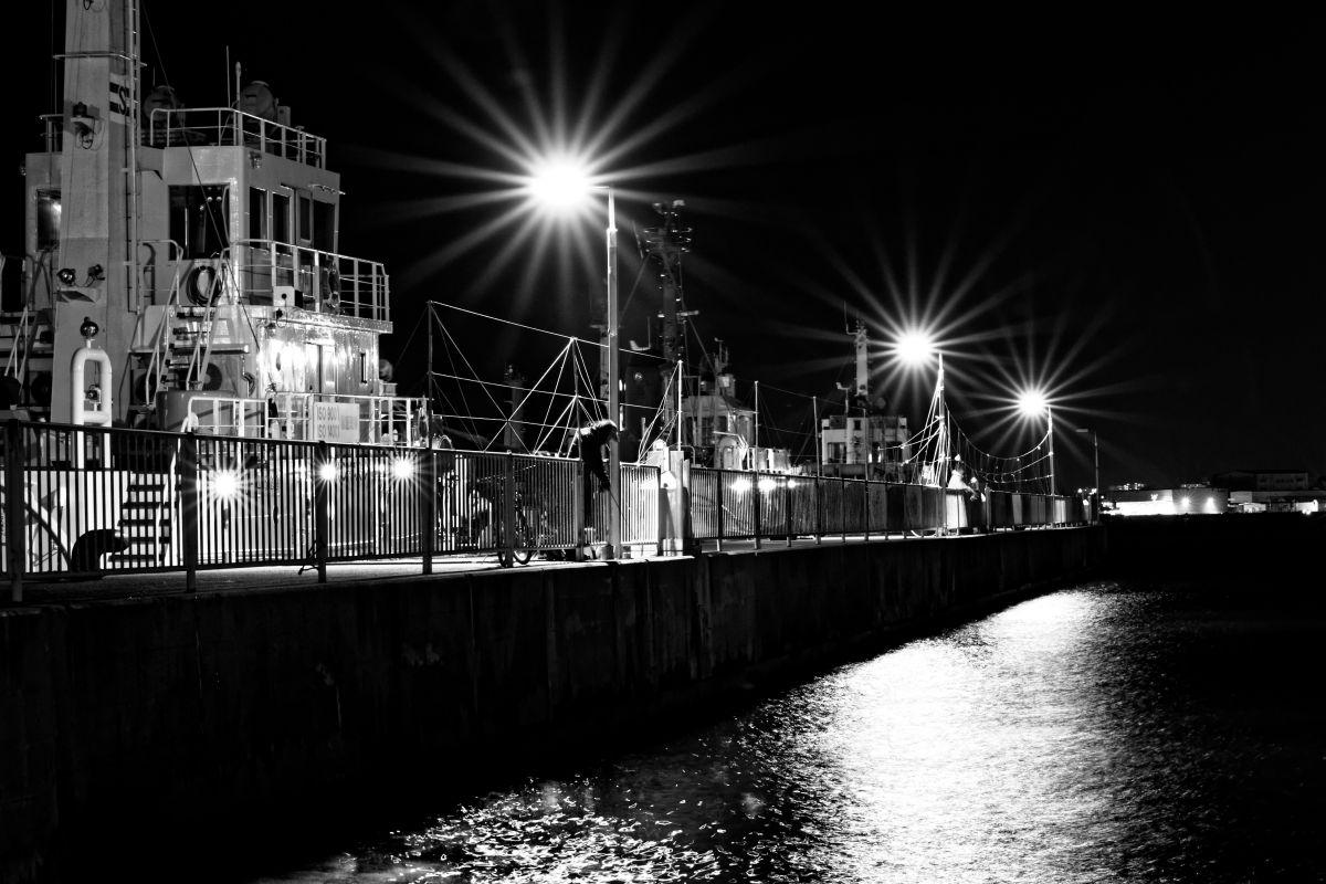 作例写真 モノクロ 夜景 SIGMA 50-100mm F1.8 DC HSM Art