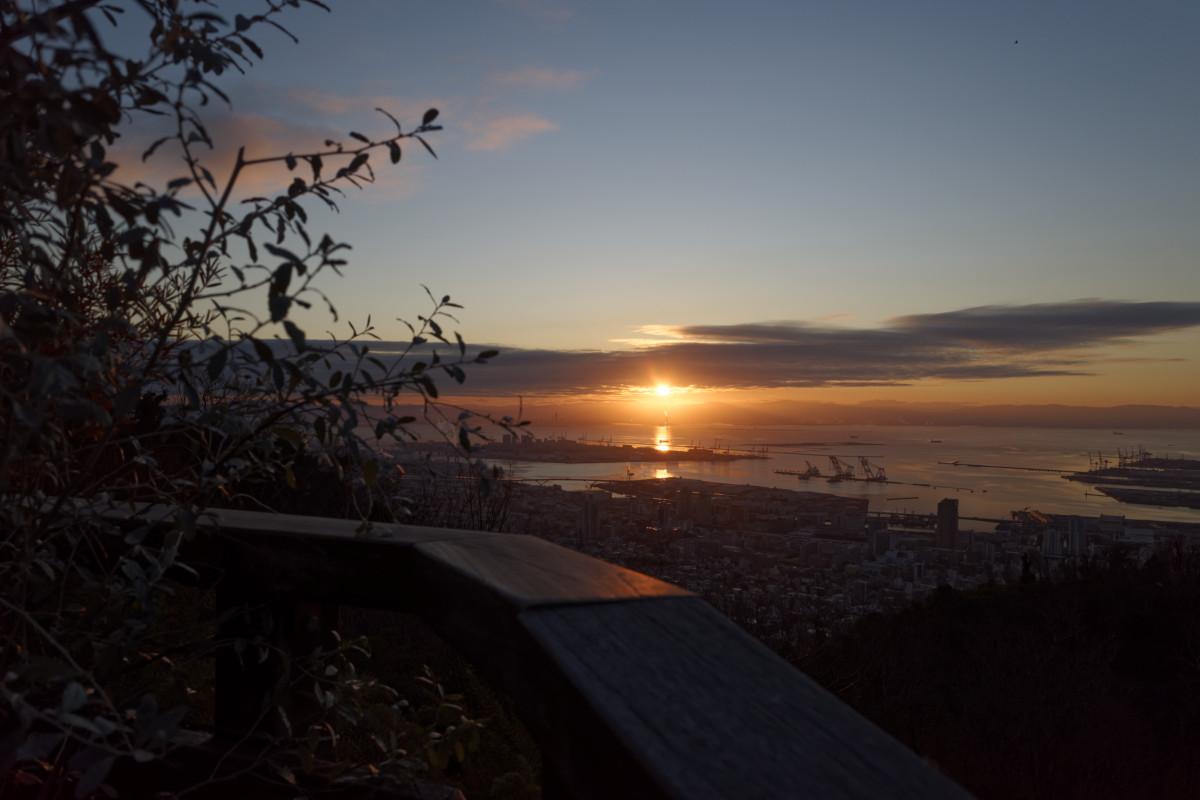神戸布引ハーブ園から見る初日の出