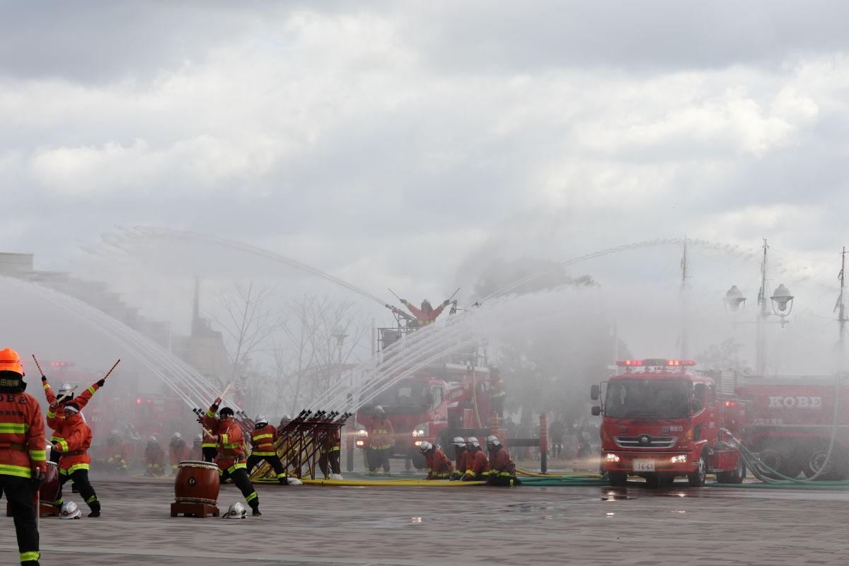 神戸市消防出初式 2020年1月5日 フェニックス放水
