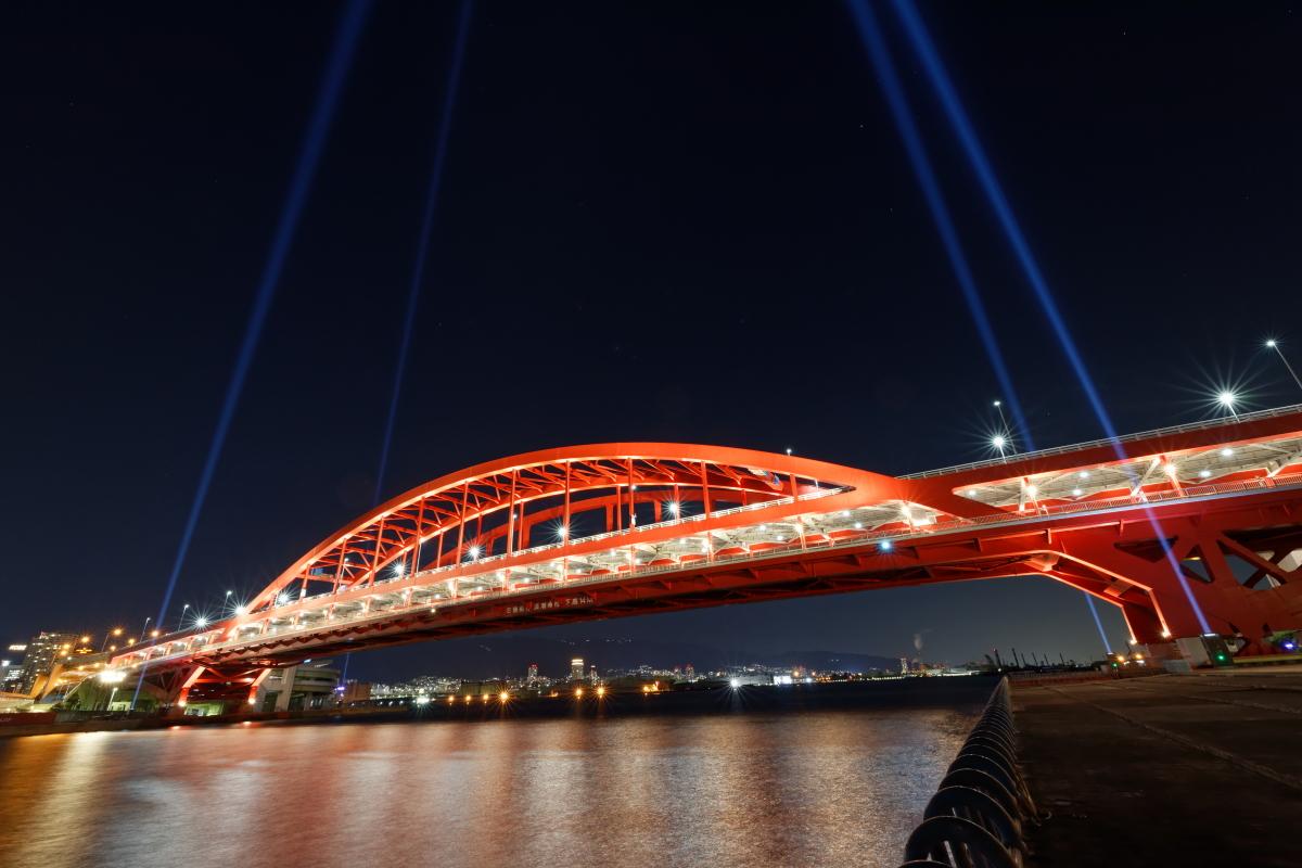 神戸大橋の夜景 広角レンズ RF15-35mm F2.8 L IS USMの作例写真