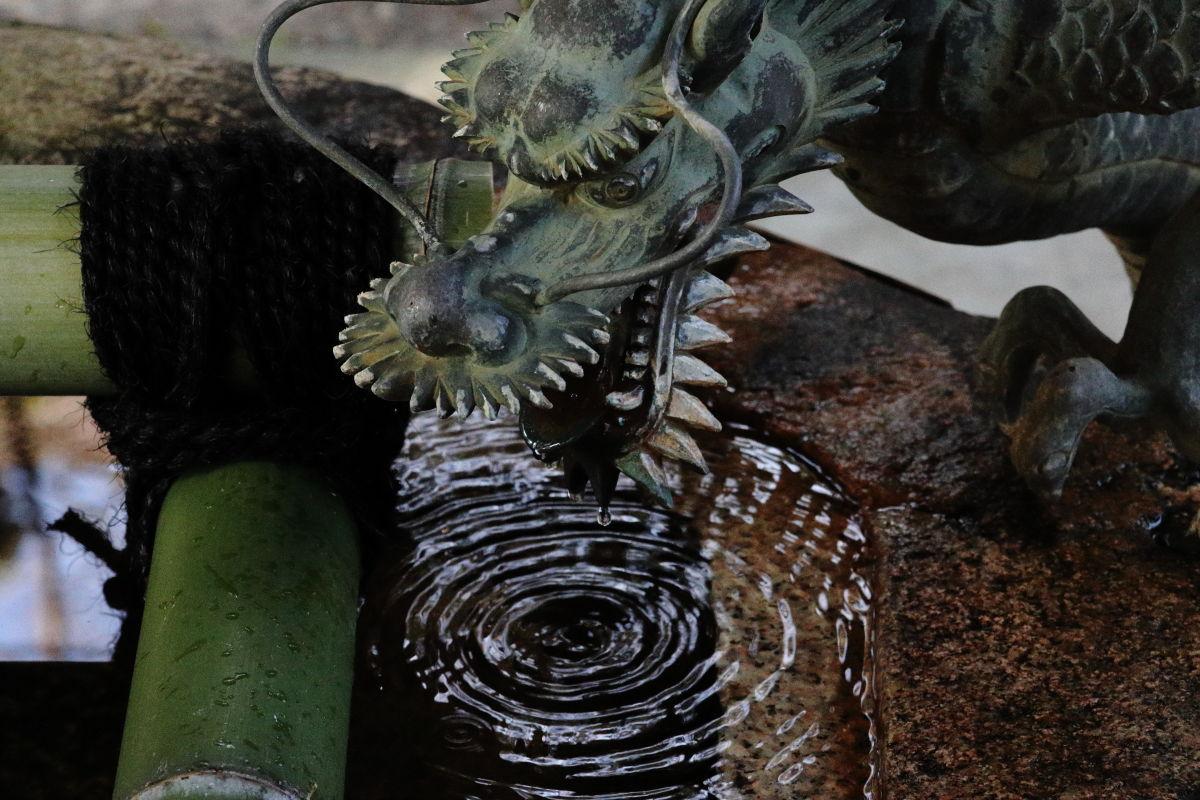 保久良神社の手水舎