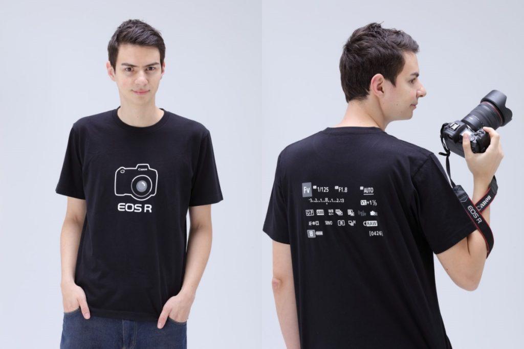 着用イメージ ユニクロ キヤノンの一眼カメラEOS RデザインのTシャツ