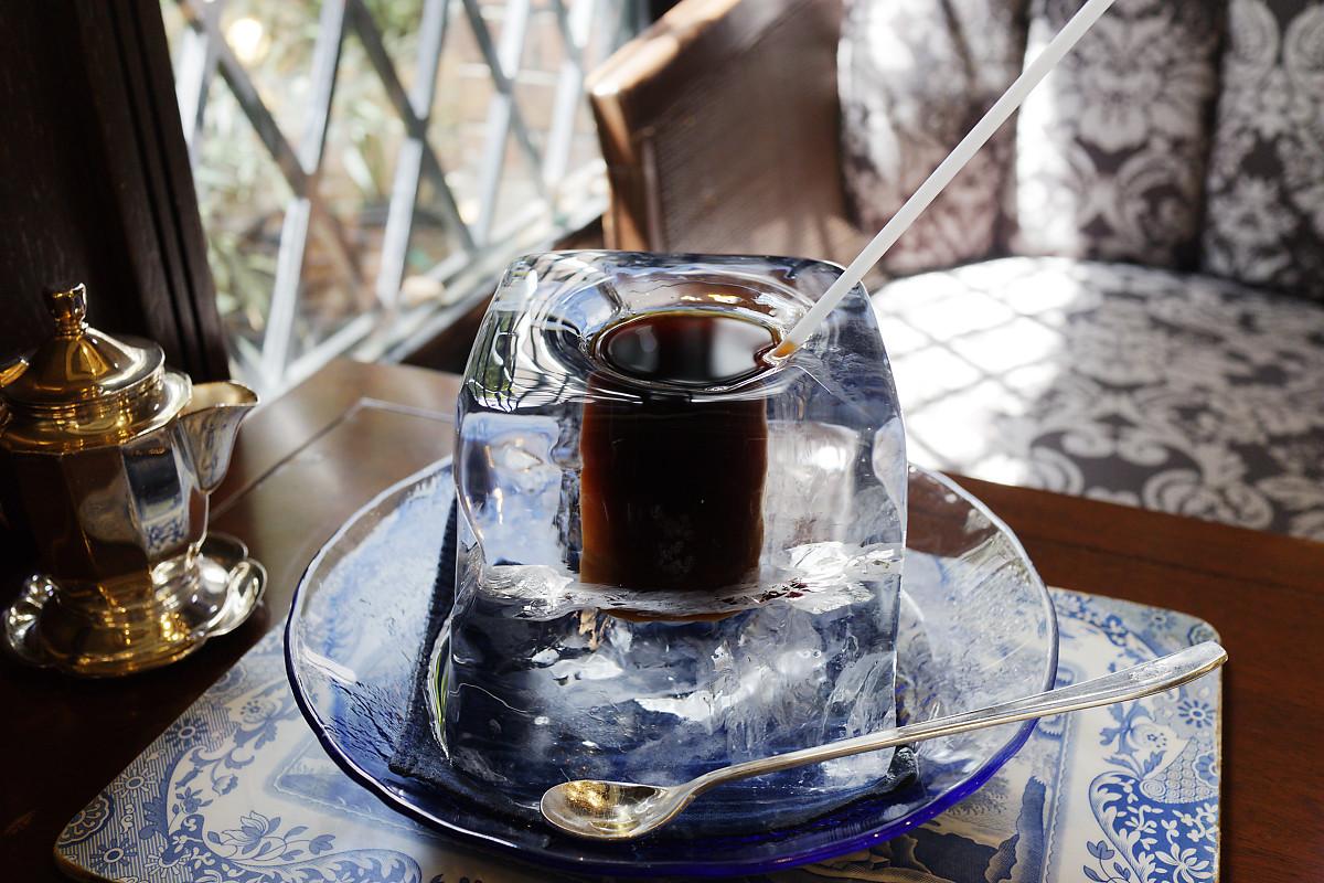 氷の器のアイスコーヒー にしむら珈琲 EF-M22m F2 STM 作例写真