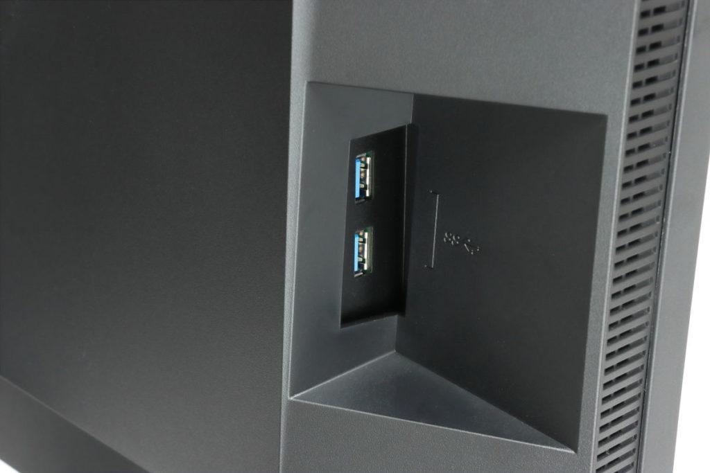 側面のUSBポート EIZO 27型4K カラーマネージメント液晶モニター ColorEdge CS2740