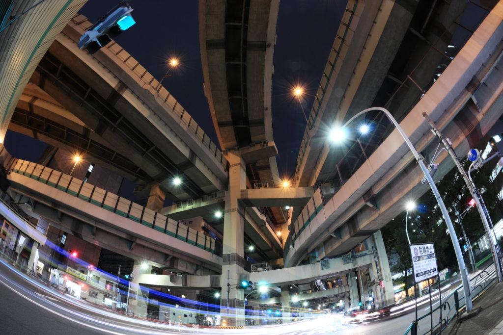 トラベル三脚で撮影した箱崎ジャンクションの夜景