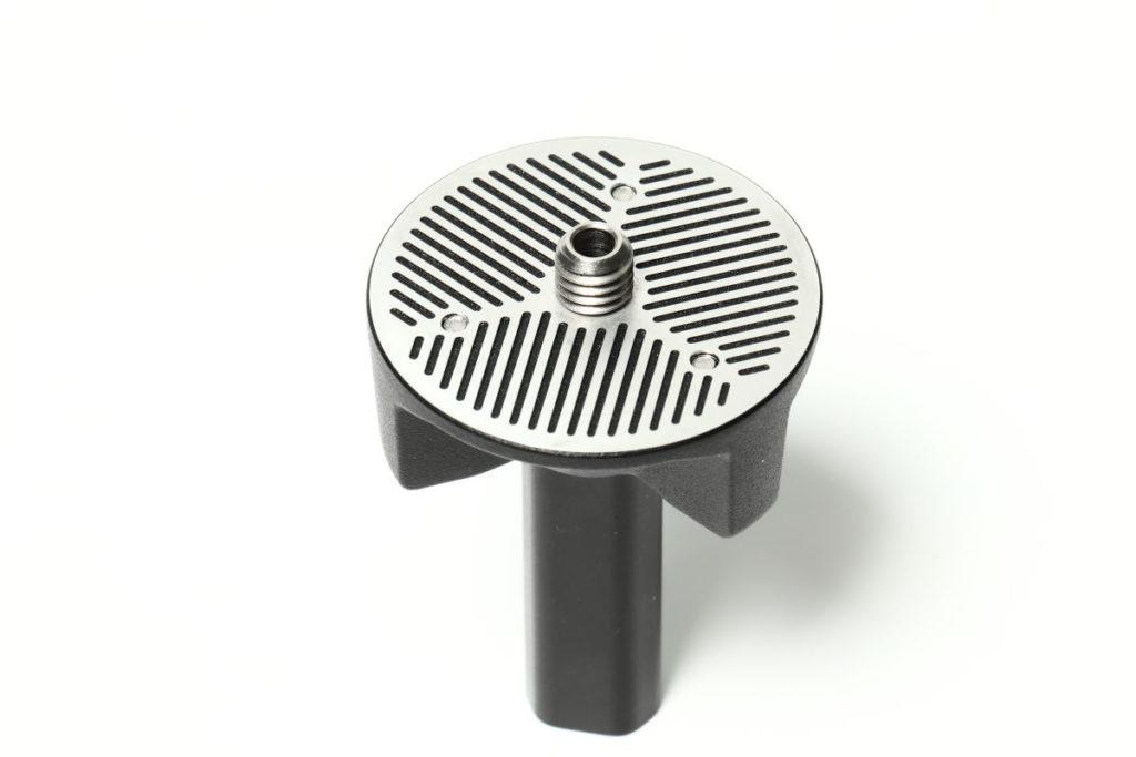 ピークデザインのユニバーサルヘッドアダプター