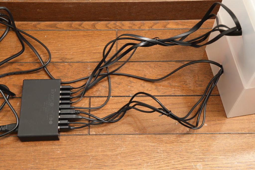 Anker PowerPort 10と充電器のケーブル