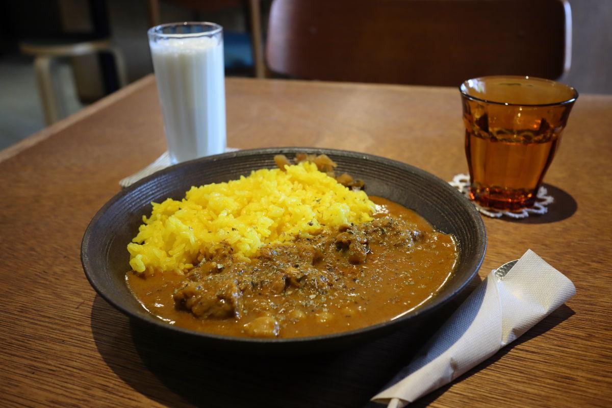 カレーとラッシー HOCOTO CAFE ホコトカフェ