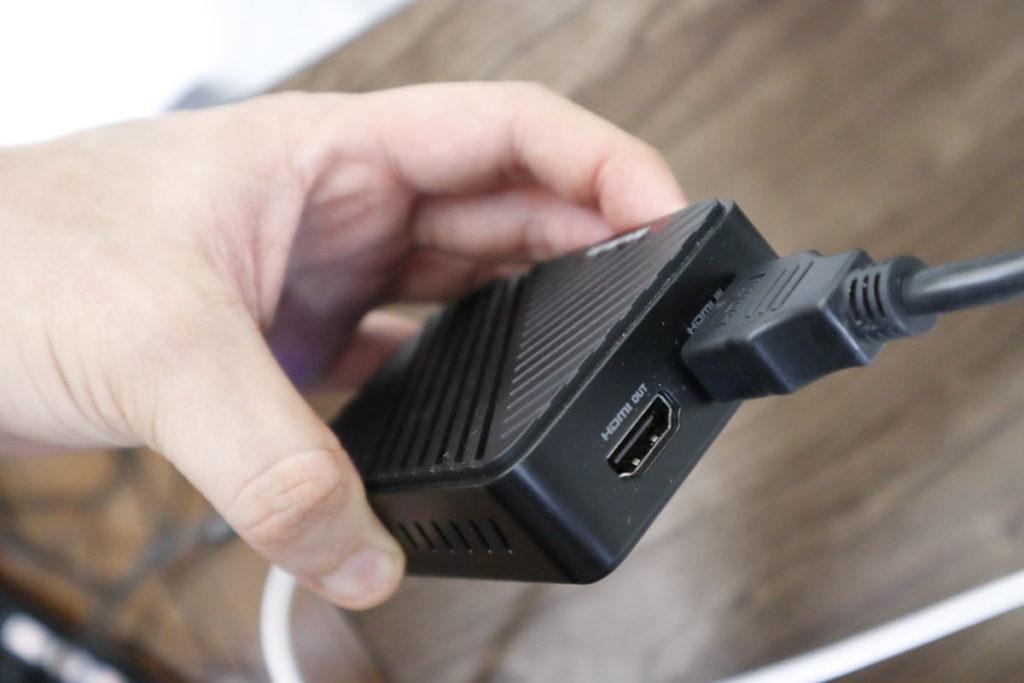 キャプチャーデバイスのHDMI INにケーブルを接続