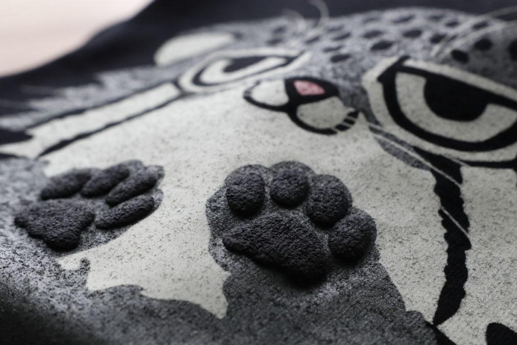 マヌルネコ 壁ドンTシャツ 神戸どうぶつ王国 オリジナル商品