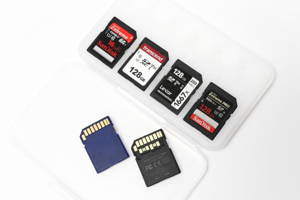 カメラ用におすすめのSDカード3選!コスパをとるか高品質のUHS-2対応を選ぶべきか