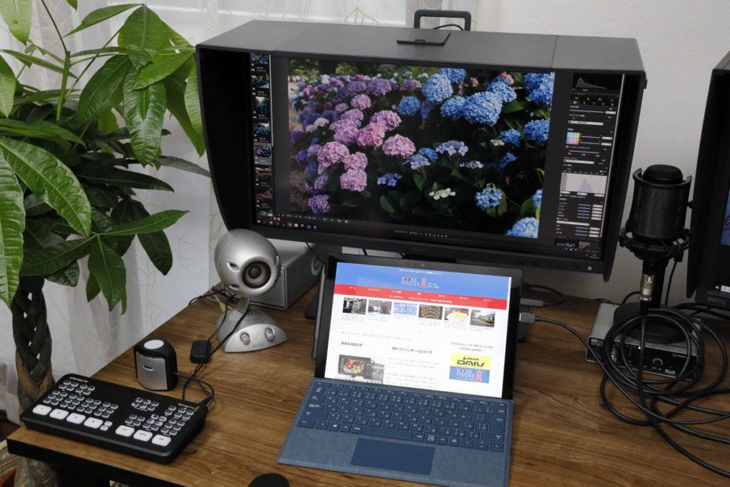 USB-Cケーブル1本でノートPCとディスプレイを接続