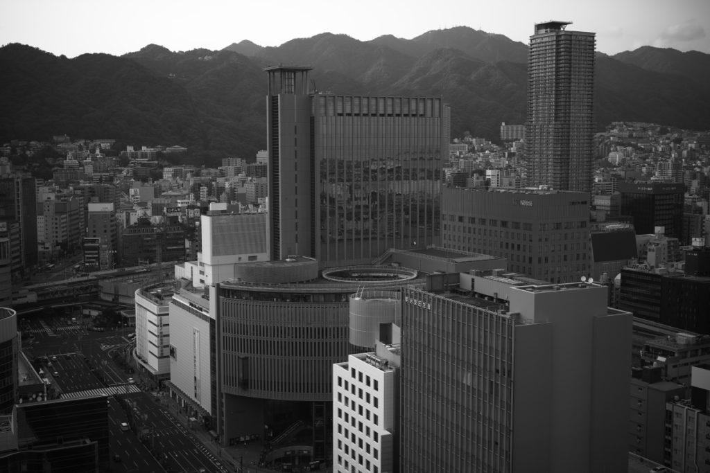SIGMA fp 神戸夕景スナップ モノクロ