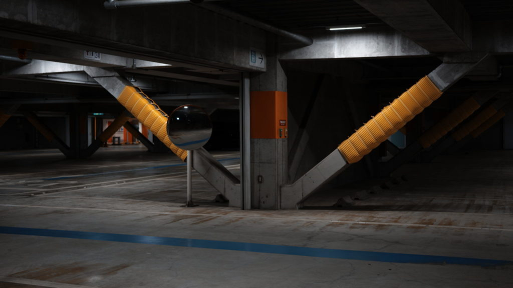 駐車場 SIGMA fp作例写真