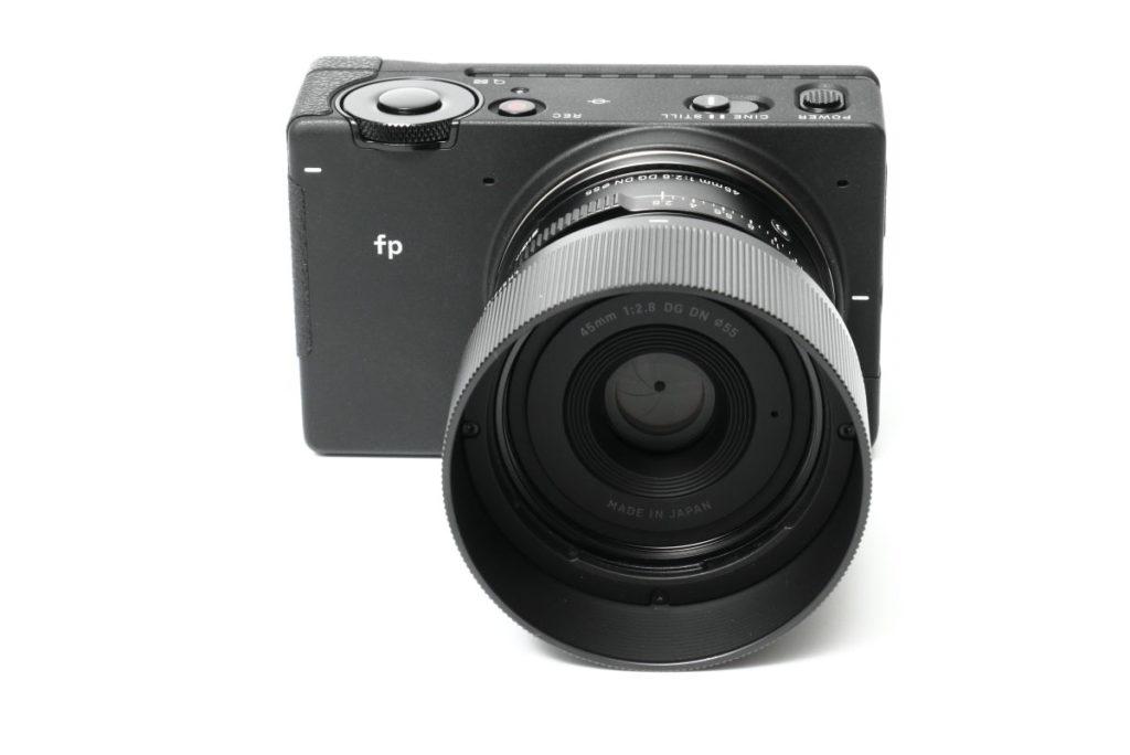SIGMA fp 外観 シグマのフルサイズミラーレス一眼カメラ