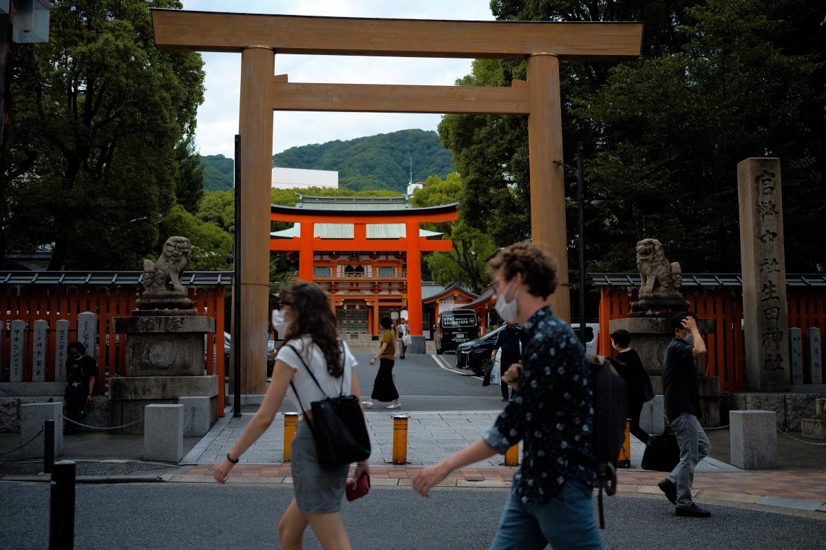 生田神社前