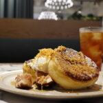 ブラウンチーズと旬のフルーツのフレンチトースト 1210円 TOOTH TOOTH ON THE CORNER / トゥース トゥース オン ザ コーナー