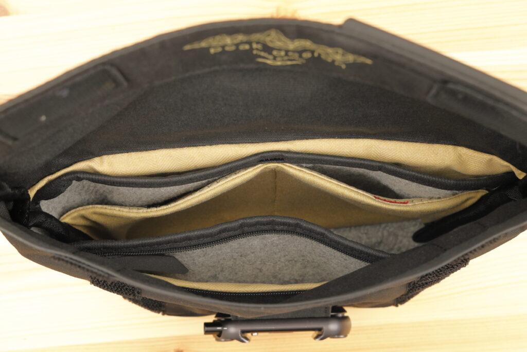 フィールドポーチV1のポケット