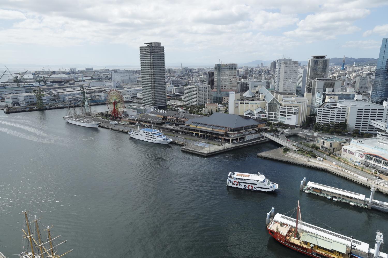 神戸ポートタワーの展望フロアからの眺め ハーバーランドumie