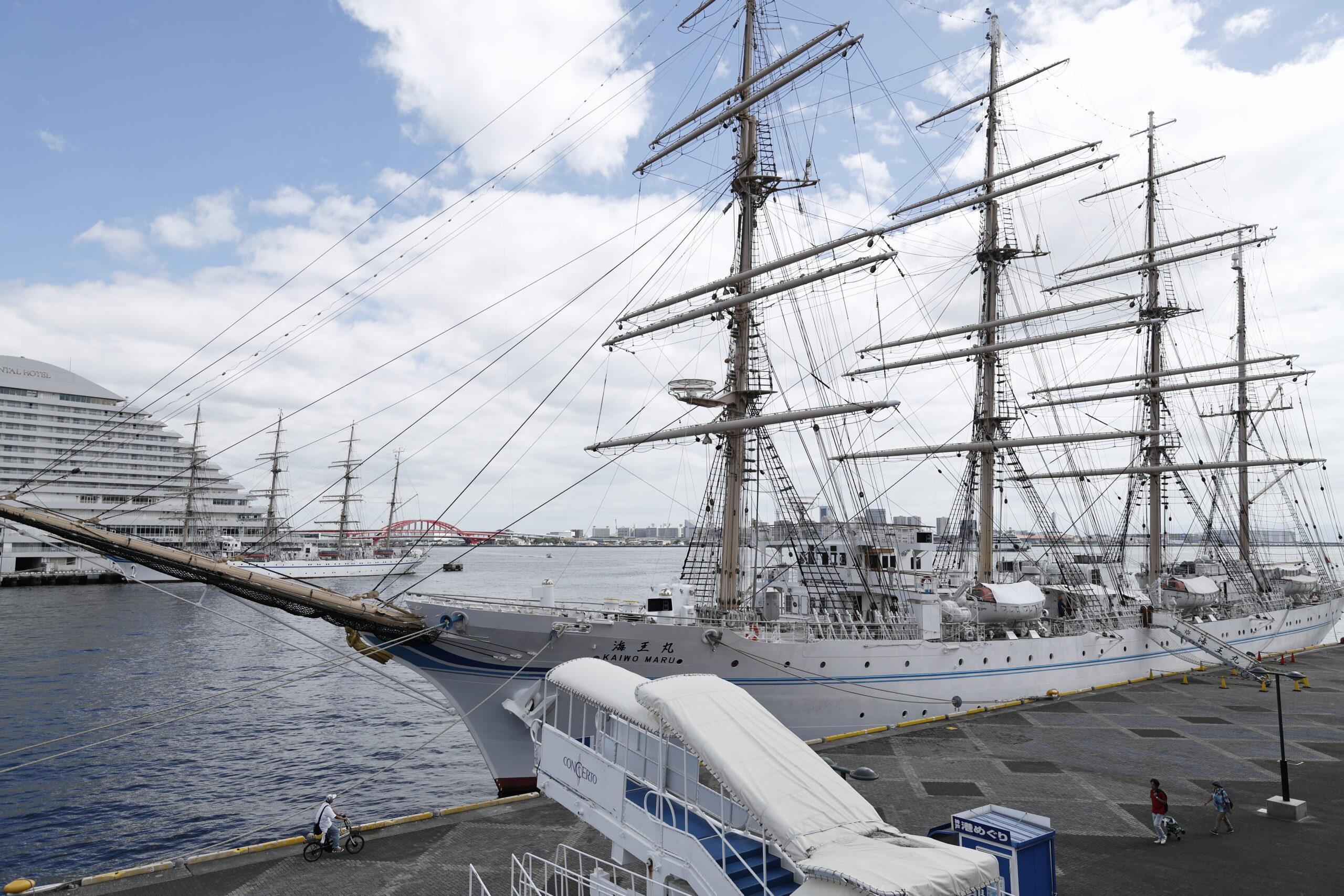 帆船 海王丸 神戸のハーバーランド前にて