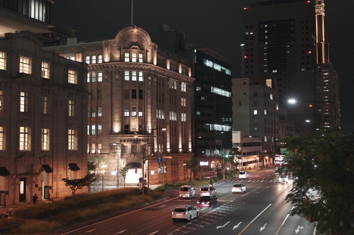 夜の商船三井ビルディング